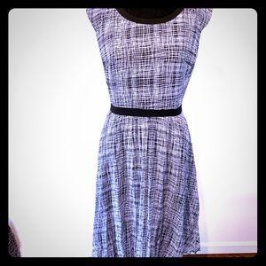 Halogen Black & White Midi Pleated Dress
